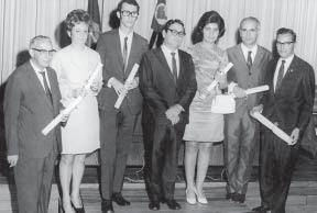 Formandos da primeira turma de Engenharia de Alimentos da UNICAMP(Manoel é o primeiro a direita).