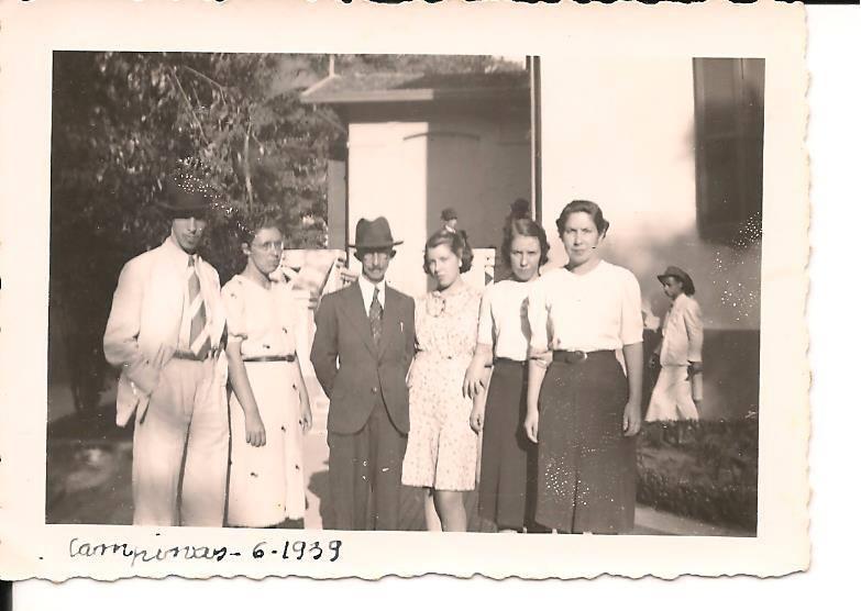 Álvaro Machado Pereira e filhos, em 1939(Manoel é primeiro). Acervo Maria Aparecida Rabay