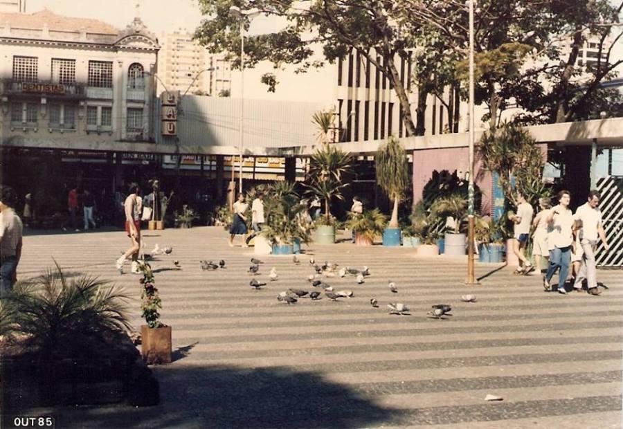 Largo do Rosário em 1985. Acervo Newton Erbolato Jr.
