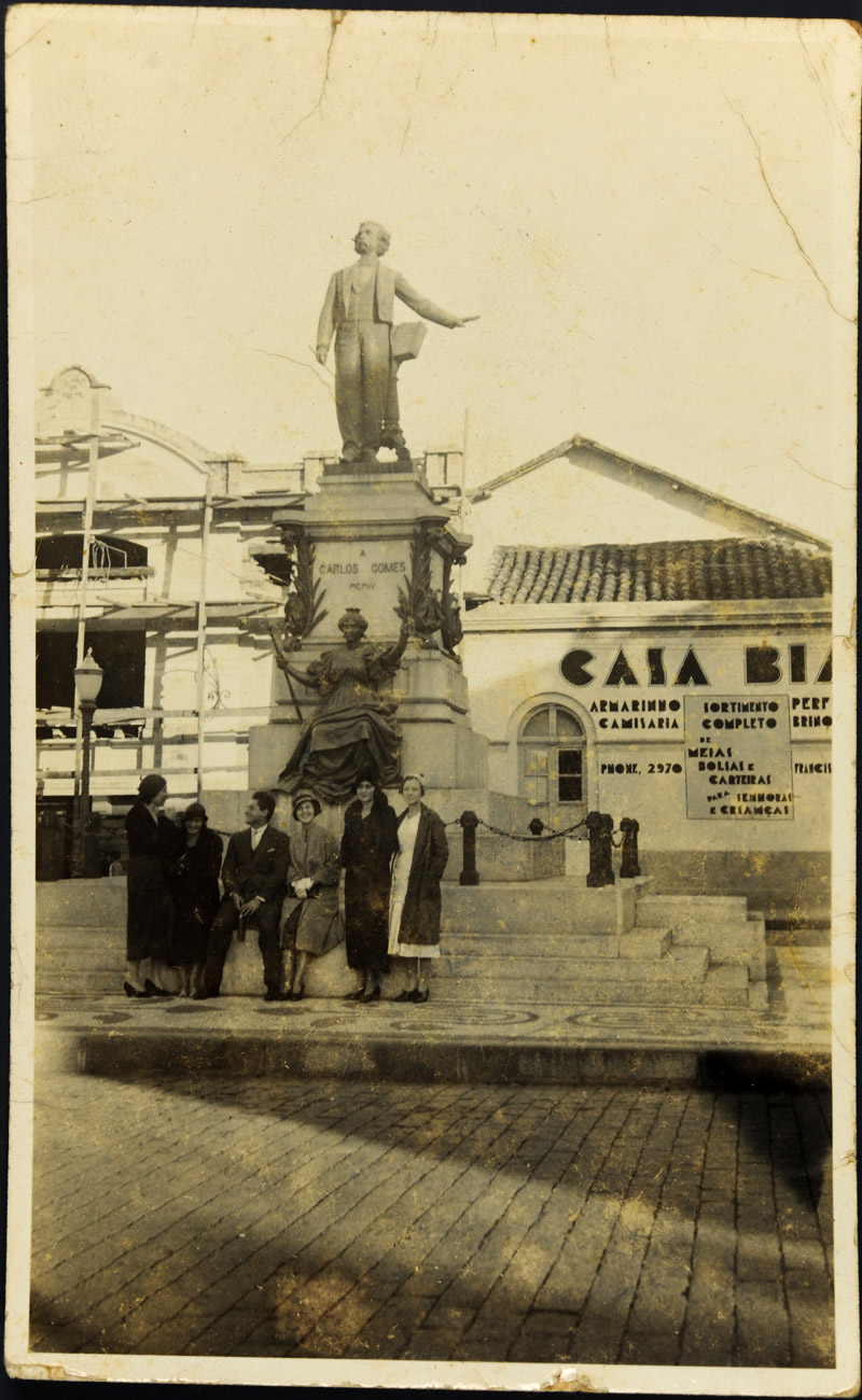 Monumento Carlos Gomes, anos 20. Acervo Museu Imperial.