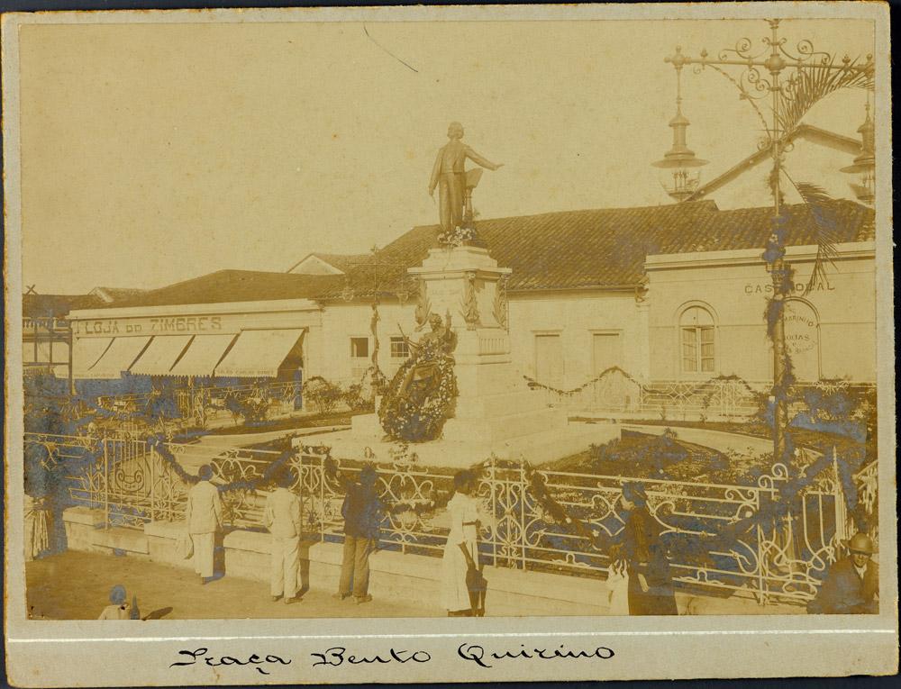 Monumento Carlos Gomes, em 1910. Acervo Museu Imperial.