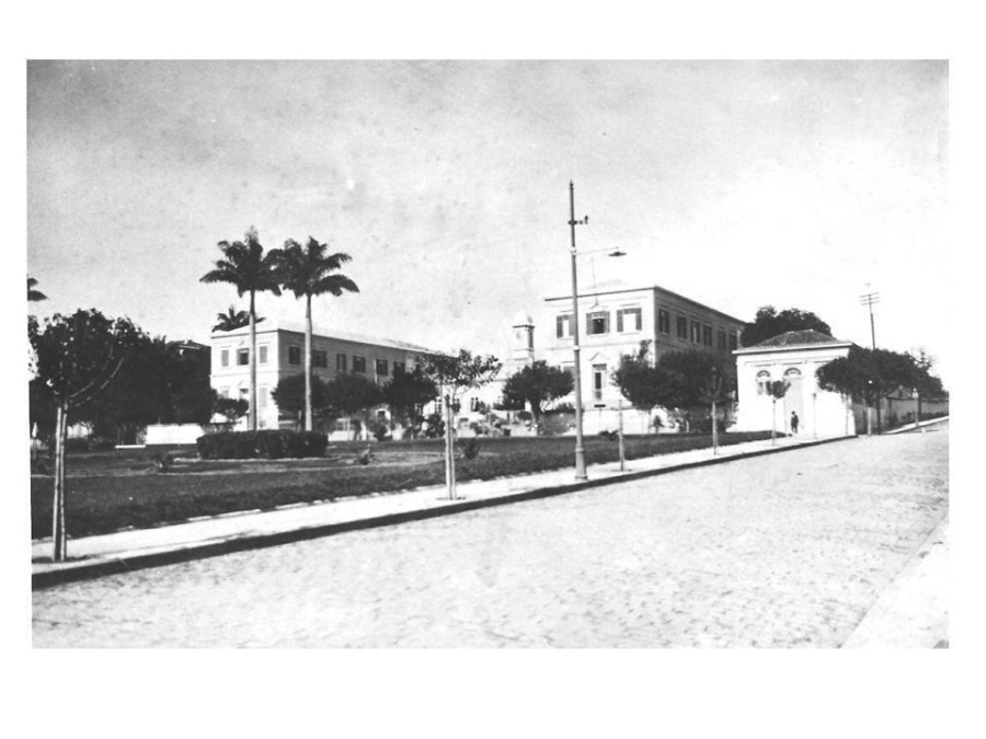 Praça Luiz de Camões, anos 20. Acervo Prefeitura Municipal de Campinas.