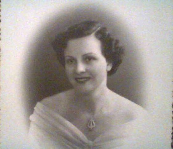 Sra. Lydia Bencardini;