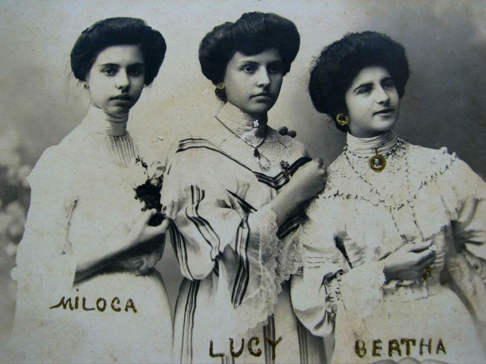 Emília Dias Braga(Miloca), Lucy Braga e Albertina Maia.