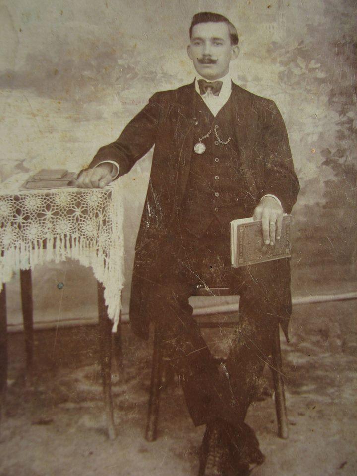 Seu pai, Francisco Braga C. Silva;