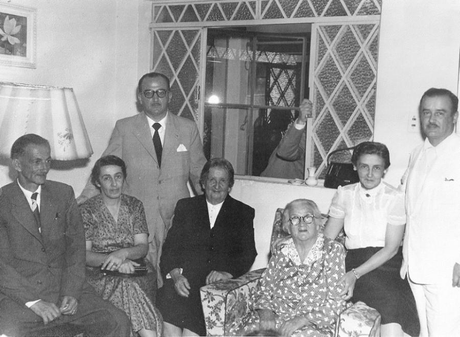 Joaquim, Anna Luiza, João, Yayá(Sylvia Egydio de Souza Aranha), Nicota, Diva e Jairo.