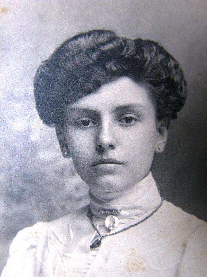 Sua mãe, Lucy.