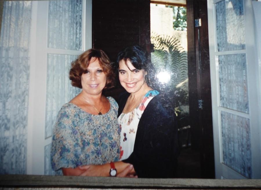 Maria Sylvia e sua aluna, Regina Blois Duarte, em 1992