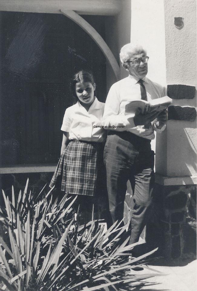 Álvaro, com a filha, Marília, em 1969.