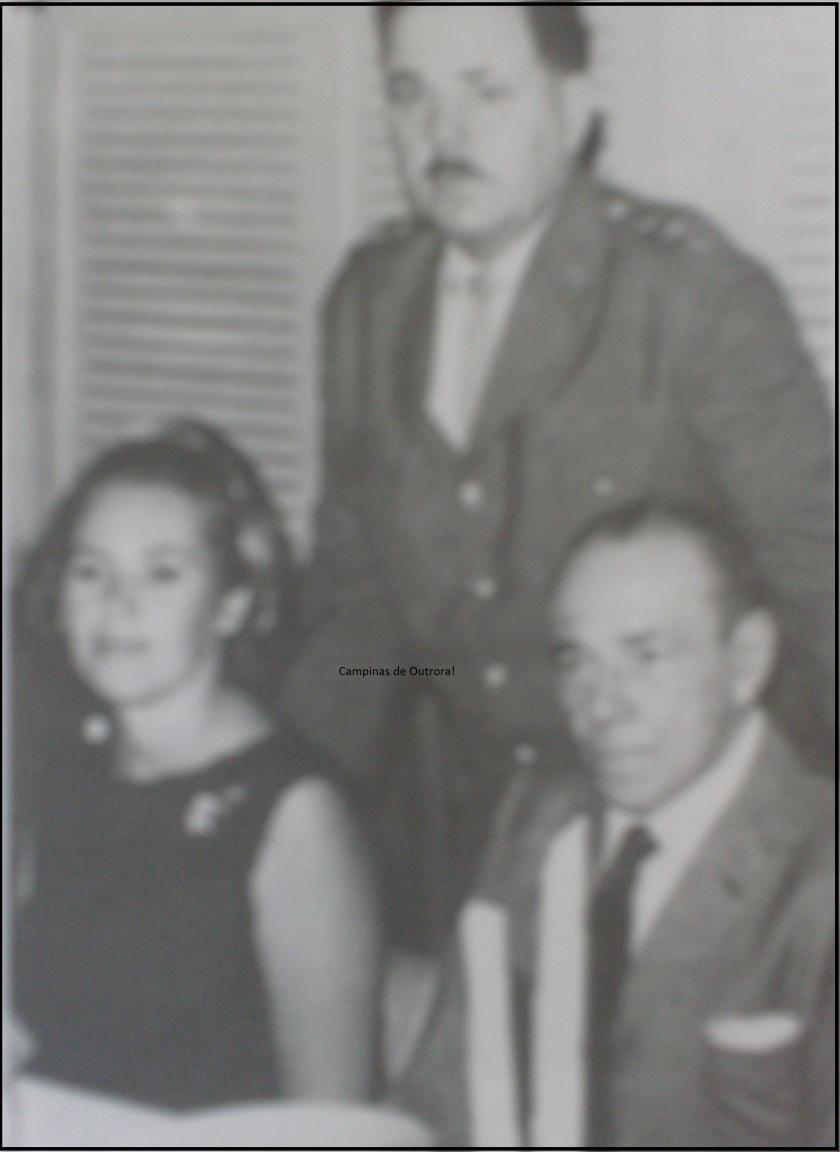 Arita, Cel. Pettená e o homenageado, Guilherme de Almeida. na Cabana do Círculo Militar.