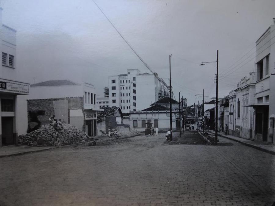 Avenida Campos Salles, em 1945.