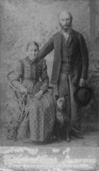 Peter Jens Larsen e Ane Cathrine Larsen - Laurine pai e mae