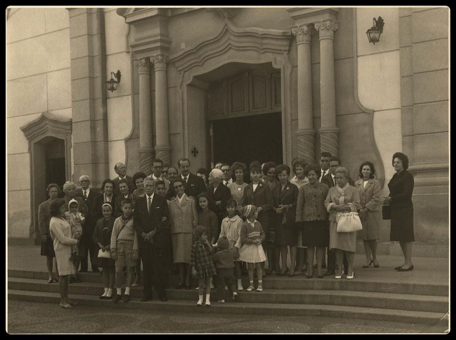Bodas de Ouro de Ludgero e Maria Cassiana Ribeiro, na Igreja Nossa Senhora das Dores em 27.06.1964